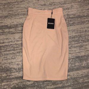 NWT 🔥 Misguided Blush pencil skirt
